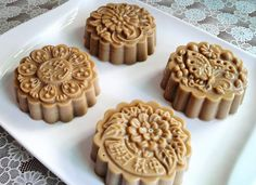 Cendol Jelly Mooncake Recipe- pinning image as inspiration for what good jelly molds can do for a dish!