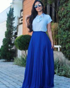 Modest Outfits, Skirt Outfits, Modest Fashion, Hijab Fashion, Cool Outfits, Fashion Dresses, Church Dresses, Church Outfits, Pleated Skirt