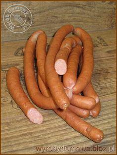 Smaczne, zdrowe... wyroby domowe  Parówki domowe Polish Recipes, Polish Food, Bacon Meat, Home Made Sausage, Dinner Party Appetizers, Homemade Sausage Recipes, Romanian Food, How To Make Sausage, Smoking Meat