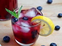 Tè bianco e mirtillo: un drink dissetante, ricostituente e antirughe - BenessereCorpoMente.it