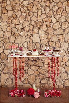 <3 dessert table
