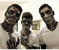 I enjoy how the make-up is applied to the neck and hands – Halloween Costumes Halloween Meme, Guys Halloween Makeup, Halloween Kostüm, Couple Halloween Costumes, Halloween Cosplay, Horror Make-up, Fantasias Halloween, Scary Makeup, Costume Makeup