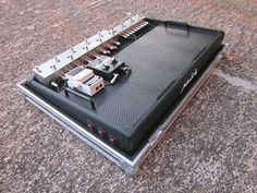 Pedalboard presentation with different pedalboard sizes, pedalboard bags, pedalboard cases, power supplies, flex cables, pedalboard gallery and custom pedalboards.