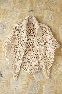 I love this shawl pattern. It would be so nice to wear over a sleeveless maxi dress on those cool summer nights.