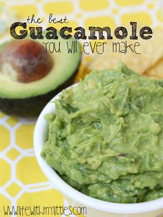 Seriously the best guacamole recipe ever. I think it's the reason we get invited to parties! And it's so easy! Guacamole Recipe Easy, Homemade Guacamole, Avocado Recipes, Healthy Recipes, Guacamole Recipe With Sour Cream, Simple Recipes, Salmon Recipes, Healthy Foods, Home