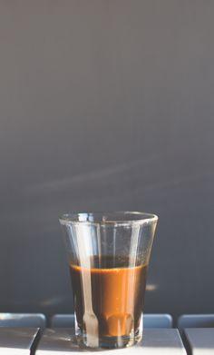 A hot cup of coffee in the morning treats your heart like a friendly hug. // Für den perfekten Morgen braucht es nicht mehr als eine herzenswarme Umarmung in Form einer Tasse Kaffee. #enjoysiemens