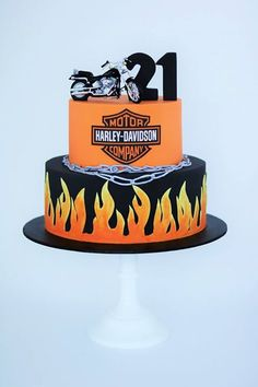 A Harley Davidson themed cake created for Tuakana's birthday last month! Bolo Harley Davidson, Harley Davidson Birthday, Fancy Cakes, Cute Cakes, Fondant Cakes, Cupcake Cakes, Motorcycle Cake, Decoration Patisserie, Dad Birthday Cakes