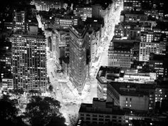 Flatiron Building by Nigth, Black and White Photography, Manhattan, NYC