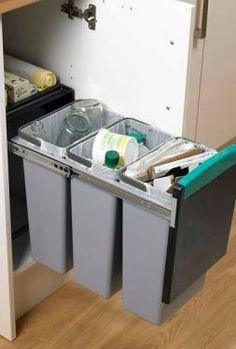 Pull-Out Recycling Bin (howdens) Scandinavian Kitchen Renovation, Home Decor Kitchen, Interior Design Kitchen, Country Kitchen, Home Kitchens, Kitchen Cupboard Doors, Modern Kitchen Cabinets, Kitchen Pantry, Kitchen Waste