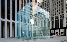 New York City Avenue Apple Store Glass Cube Re-opening [video] Glass Cube, Glass Boxes, Glass Structure, Construction, 5th Avenue, Sustainable Design, Business Design, Exterior Design, New York City