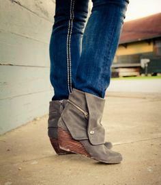 wedge booties // wedge boots / gray boots // fall // blowfish