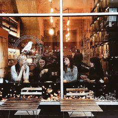Enjoying coffee with friends. delta-breezes: Ffion McKeown