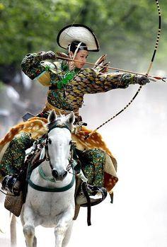 流鏑馬, yabusame, traditional mounted archery