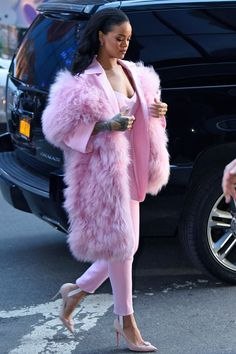 """Rihanna arriving at Good Morning America (Mar. 13)"""