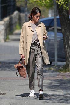 Grey Fashion, Royal Fashion, Spring Fashion, Winter Fashion, Fashion Outfits, Womens Fashion, Zapatillas Veja, Looks Chic, Dress Codes
