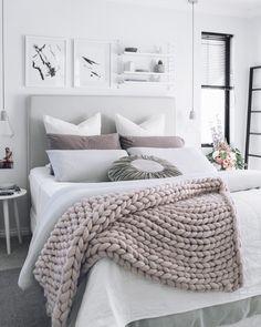 Neutral Chunky Knit Blanket