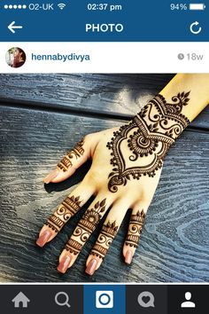 Latest new easy and simple Arabic Mehndi Designs for full hands for beginners, for legs and bridals. Stunning Arabic Mehndi Designs Images for inspiration. Henna Tattoo Designs, Henna Tattoos, Mehndi Tattoo, Mandala Tattoo, Designs Mehndi, Flower Tattoos, Tribal Tattoos, Sleeve Tattoos, Henna Hand Designs