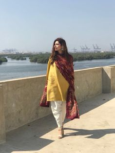 Anyone else noticed how Mahira has been slaying her desi looks? The actress is known for her classic casual style, and she really aced all her recent looks! Pakistani Fashion Casual, Pakistani Dresses Casual, Pakistani Dress Design, Indian Fashion, High Fashion, Women's Fashion, Ethnic Outfits, Indian Outfits, Mahira Khan Dresses