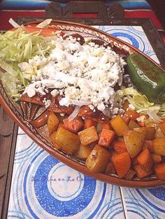 It is no big surprise why a large number of individuals from around the globe appreciate credible Mexican dishes for breakfast, lunch or supper. Mexican Cooking, Mexican Food Recipes, Ethnic Recipes, Enchiladas Mexicanas, Pollo Chicken, Good Food, Yummy Food, Enchilada Recipes, Chicken Enchiladas