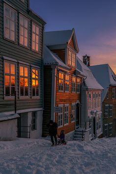 Bergen, Norway. | Comfortable apt for rent in Bergen city centre: https://www.airbnb.no/rooms/10786076