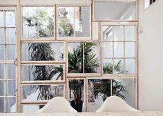 Cinco ideas de cómo hacer tus paredes con muebles reciclados
