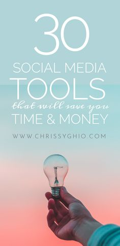If you're using social media to reach your audience, then you'll love this list of social media tools that will save you (and your biz) time and money Social Media Channels, Social Media Content, Social Media Tips, Content Marketing Strategy, Social Media Marketing, Social Media Training, Social Share Buttons, Like Facebook, New Tricks