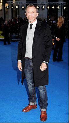 Daniel Craig... Except I think Jon would look way better