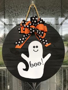 This boo sign makes a great addition to any homes front door. It can be used as a door hanger, home accent, or room decor. Makes a great gift for men and women and adds great appeal for your front door, Halloween Front Doors, Halloween Door Hangers, Halloween Porch, Spooky Halloween, Happy Halloween, Fall Door Hangers, Boo Door Hanger, Halloween Door Wreaths, Days Until Halloween