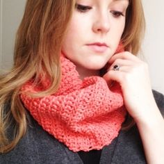 Make a crochet tube scarf explained step by step. (in English and Spanish)