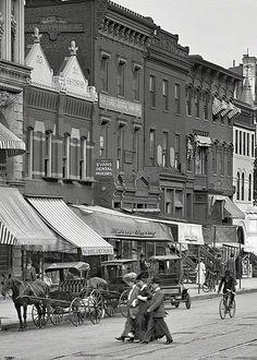 U.S. F Street Northwest in Washington, D.C., circa 1906.