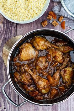Chicken simmered with gingerbread, dried apricots and honey - Amandine Cooking - Healthy Recipes 👩🍳 Healthy Bread Recipes, Best Chicken Recipes, Healthy Cooking, Beef Recipes, Healthy Food, Dinner Healthy, Cooking Recipes For Dinner, Quick Dinner Recipes, Drink Party