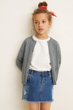 Discover the latest trends in Mango fashion, footwear and accessories. Shop the best outfits for this season at our online store. Teen Skirts, Kid United, Mango Fashion, Cotton Cardigan, Girls Sweaters, Cardigans, Cable Knit, Dress Skirt, Knitwear