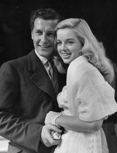 Diana Dors & first husband, Dennis Hamilton (m. his death) married five weeks after meeting, at Caxton Hall; lived in London, Berkshire, and Hollywood. Diana Dors, Celebrity Couples, Celebrity Weddings, Divas, Richard Dawson, Michelle Phillips, Old Hollywood Stars, Classic Hollywood, Wedding Couples