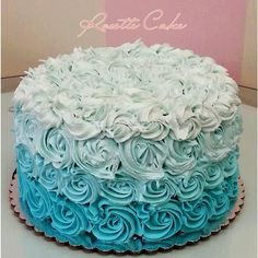 Shadow rosette cake - Cake decorating and recipes - Hochzeitstorte Pretty Cakes, Beautiful Cakes, Ombre Rosette Cake, 17 Birthday Cake, 13th Birthday, Birthday Ideas, Bolo Frozen, Gateau Baby Shower, Sweet 16 Cakes