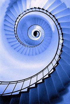 The Quequén Lighthouse, Quequén, Argentina spiral staircase escalera de caracol