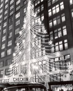 A Christmas tree of lights along Woodward in 1959.