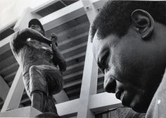 Braves legend Hank Aaron during the unveiling of his statue at Atlanta Stadium. (Johnny Crawford / AJC File)