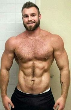 str bodybuilder dilf with hairy body sucks me off