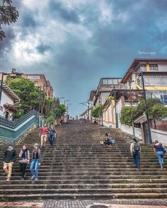 E s c a l i n a t a #Cuenca #Ecuador #AllYouNeedIsEcuador #iPhone #street by patrickgog