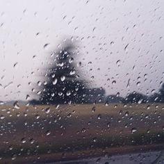 #meinglücksrausch heute auf der Baustelle der Schwiegereltern mit @jacquelinenatalie. Wir haben viel geschafft und das arbeiten hat richtig Spaß gemacht. Zwischendurch grillen bei gutem Wetter und Abends Abkühlung durch Regen. Perfekter Tag! Jeden Tag ein Foto fotografieren von etwas, das mich glücklich macht