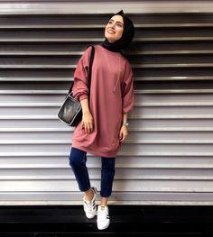 Hijab fashion в 2019 г. Hijab A Enfiler, Casual Hijab Outfit, Hijab Chic, Hijab Dress, Modern Hijab Fashion, Street Hijab Fashion, Muslim Fashion, Modest Fashion, Fashion Outfits