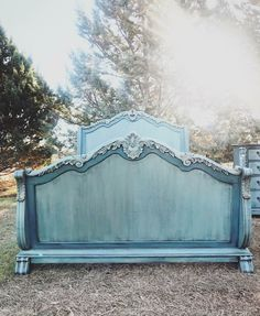Keep reading consulted shabby chic furniture projects Refurbished Furniture, Paint Furniture, Repurposed Furniture, Shabby Chic Furniture, Furniture Projects, Furniture Makeover, Vintage Furniture, Cool Furniture, Blue Furniture