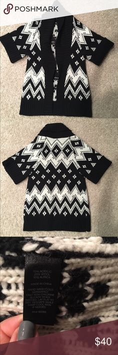 Express long thick open collar sweater XS Very nice and thick sweater, looks great with leggings or jeans! It has slight piling that can be removed, otherwise nothing wrong with it. Express Sweaters Cardigans