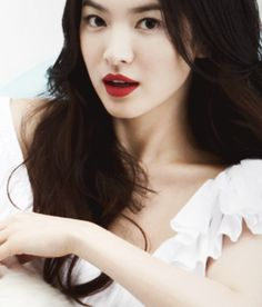 Find images and videos about song hye kyo and hye kyo on We Heart It - the app to get lost in what you love. Song Hye Kyo, Song Joong, Li Bingbing, Jun Ji Hyun, Korean Beauty, Asian Beauty, Beautiful Asian Women, Beautiful People, Asian Woman