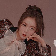 ° — ₍ ☁️ ₎↷․ ․ ․ red velvet irene icons ® like or. Seulgi, Kpop Aesthetic, Aesthetic Girl, Aesthetic Photo, Red Velvet Photoshoot, Red Wallpaper, Velvet Wallpaper, Cute Asian Babies, Beautiful Girl Wallpaper
