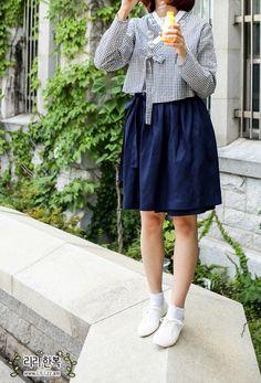Korean Traditional Dress, Traditional Fashion, Traditional Dresses, Funky Dresses, Funky Outfits, Korean Street Fashion, Asian Fashion, Modern Hanbok, Oriental Fashion