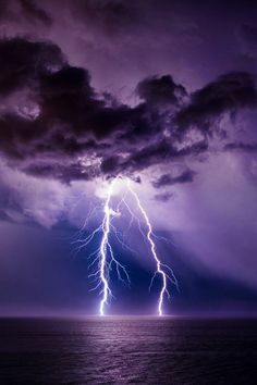 storms in skies // lightning // storm // thunder // nature // aesthetic // power Lightning Photography, Storm Photography, Nature Photography, Photography Tips, Portrait Photography, Wedding Photography, Of Wallpaper, Nature Wallpaper, Beautiful Sky