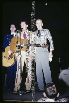 Singer Ray Price Illness | Ray Price, apparently taking a nap while flanked by harmony singer Van ...