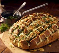 """Three Cheese """"Garlict"""" bread / Dis-Chem - Pharmacists who care Raw Food Recipes, Italian Recipes, Cooking Recipes, Pain Surprise, Comida Diy, Party Food And Drinks, High Tea, Diy Food, Food Inspiration"""