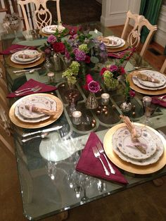 Thanksgiving Holiday Table Setting Decorating Ideas   **(has a great Thanksgiving Checklist!)**